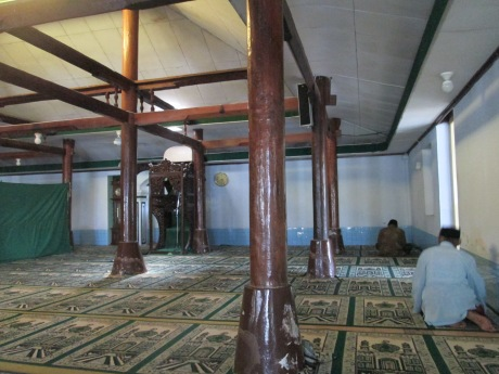 Kondisi dalam masjid