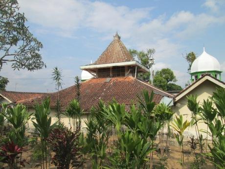 Foto Masjid dari sebelah barat